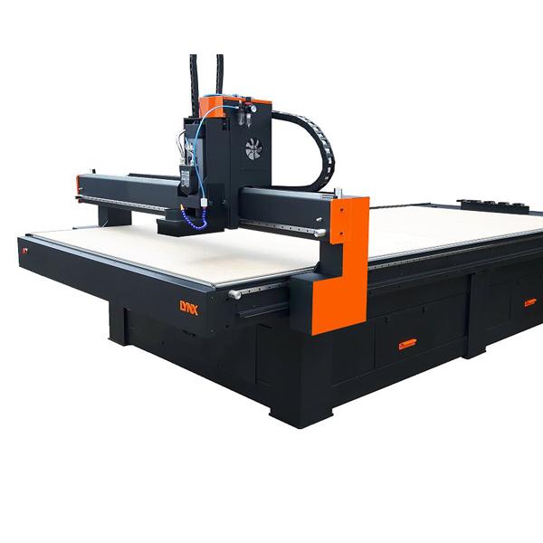 Góra LYNX Poland - Polski producent maszyn CNC, cutterów (katerów) oraz SG08
