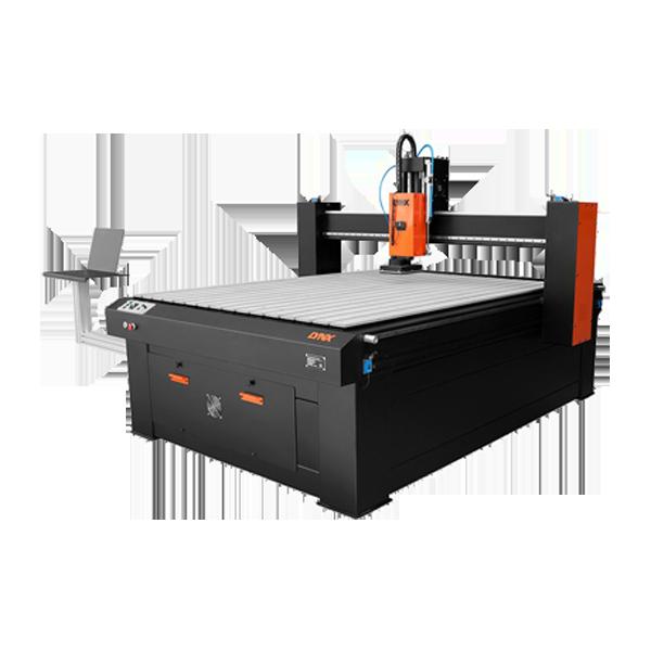 Nietypowy Okaz LYNX Poland - Polski producent maszyn CNC, cutterów (katerów) oraz JR94